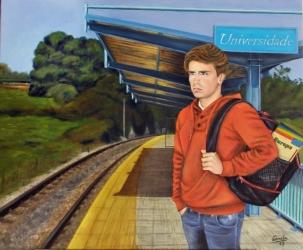 Chico esperando el tren