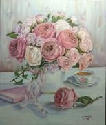 Jarrón con peonías y rosas